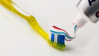 fluoro-carie-igiene-orale